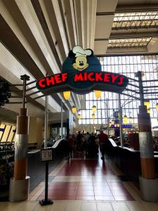 chef mickey contemporary resort