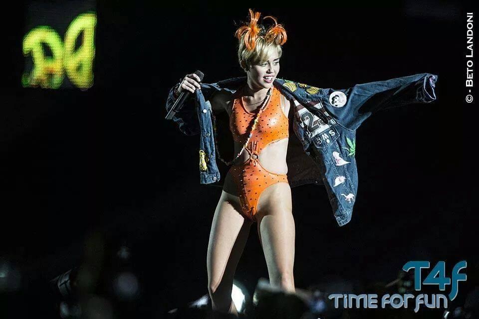 #Interview La campera intervenida que Miley Cyrus amó es argentina