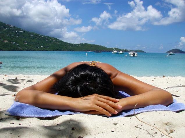 ¿Cómo borrar las manchas del verano en tu piel?
