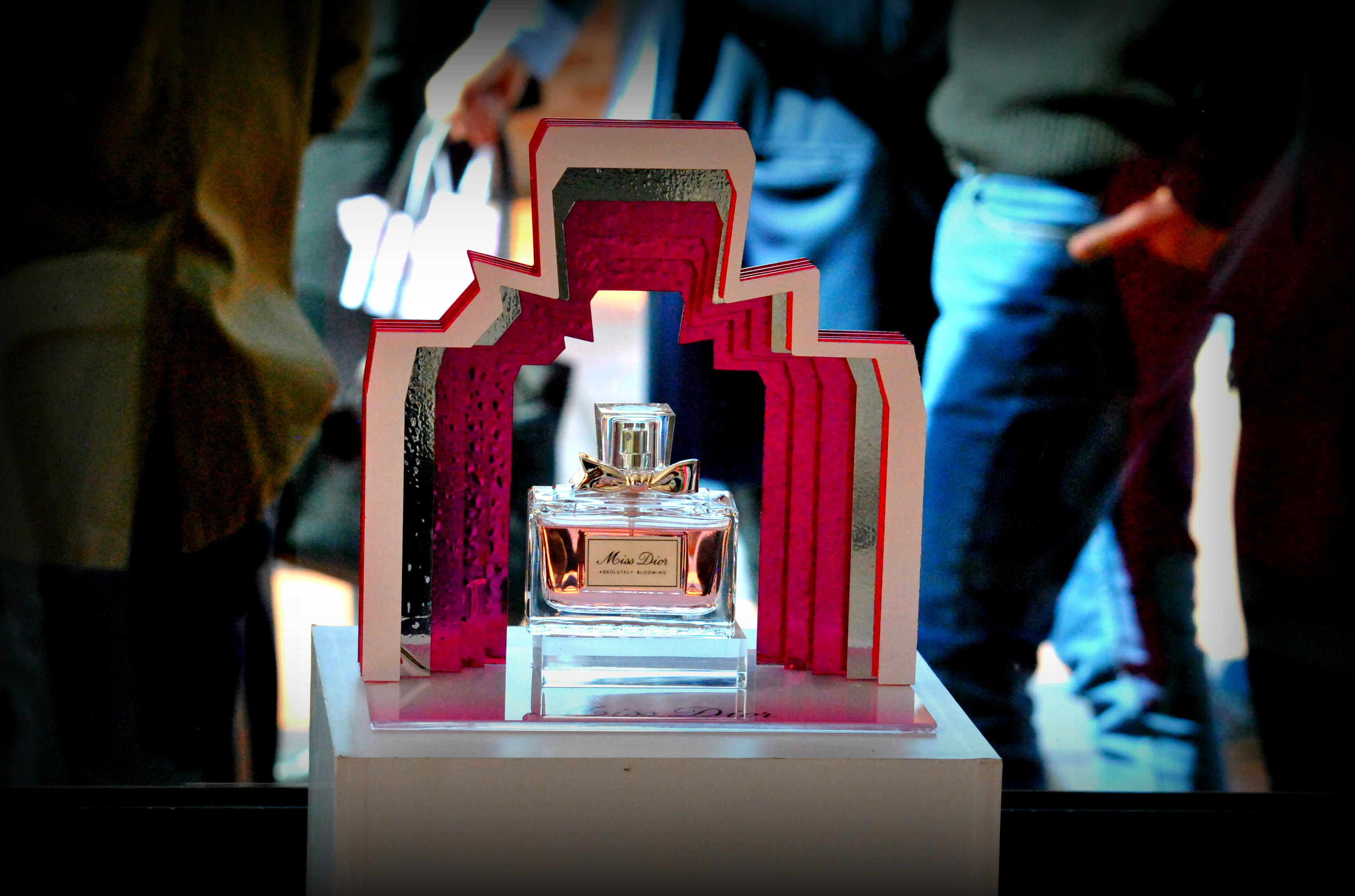 ¡Nueva fragancia! Miss Dior Absolutely Blooming