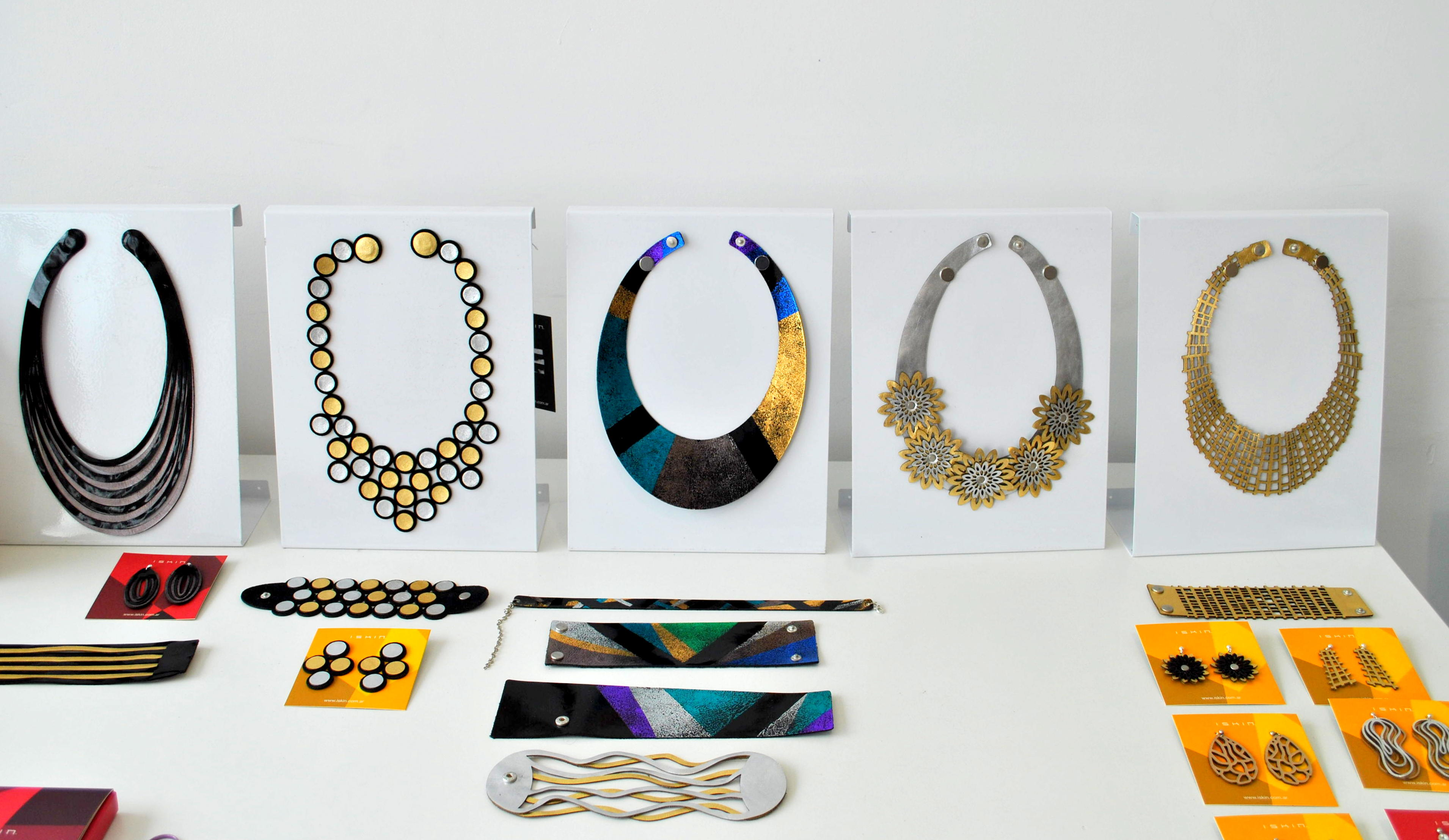 Iskin Sisters : Diseño & Joyeria Contemporánea