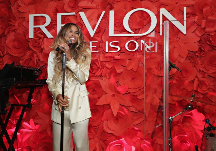 Ciara es la Nueva Embajadora de Revlon
