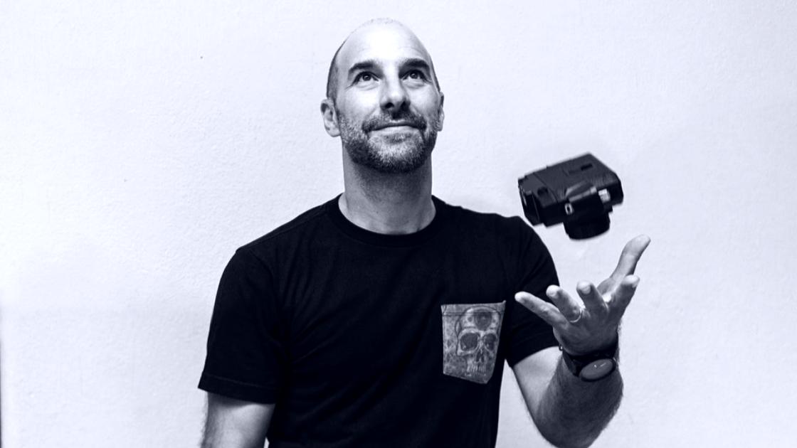 #OneToOne Rafael Delceggio: Conocé al Director de Fotografía detrás de la apertura de Chicas Guapas